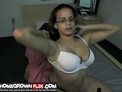 Stacked latina camgirl wit glasses - homegrownflix.com