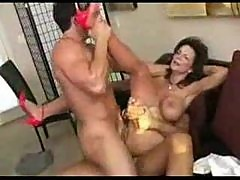 Double penetration milf squirts when fucked