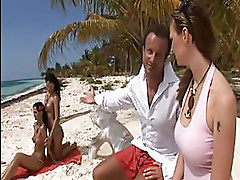 Hot tropical threesome sex