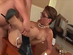Holly West banged on the table at High Def Moms