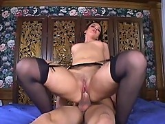 Luscious Olivia Saint salivates on cock