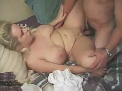 Chubby chick fucked in her shaved hole