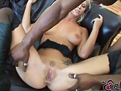 Brooke banner hole stretches by Black KingKong