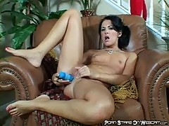 Chelsie rae - chelsie masturbating with sex toy