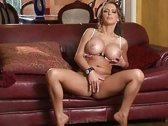 Jenna Presley makes her pussy wet