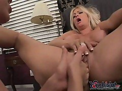 Brooke Hunter and Kelly Wells hot lesbos