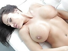 Lisa Ann loves to get a good deep fucking