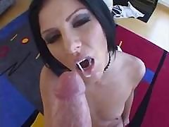 This Monstrous Dick Is Too Huge Even For Experienced Taryn Thomas