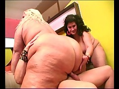 Horny dude loves to fuck big women