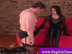 Domina gets shoes worshipped by subject