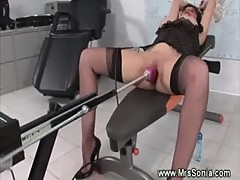 Mature brit enjoying fuck machine