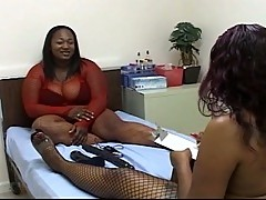 Lesbian bbbw doing a funny scene with licking the pussy and toying