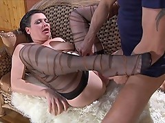 Elsa&Connor pantyhose mom in action