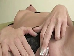 Brunette Fingering Squirt 1
