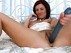 Lonely Milf Dildo Satisfaction