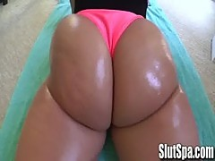 Kelly Devine Working Out her Booty - SlutSpa.com