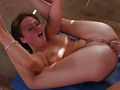 Sindee Jennings opens her legs & gets drilled hard