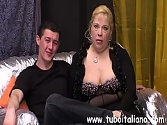 Italian Wife and Bull Cuckold Italiano