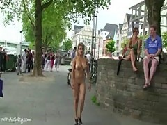 Hot flasher shows her big tits in public